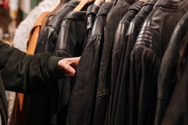 Jaket bahan kulit