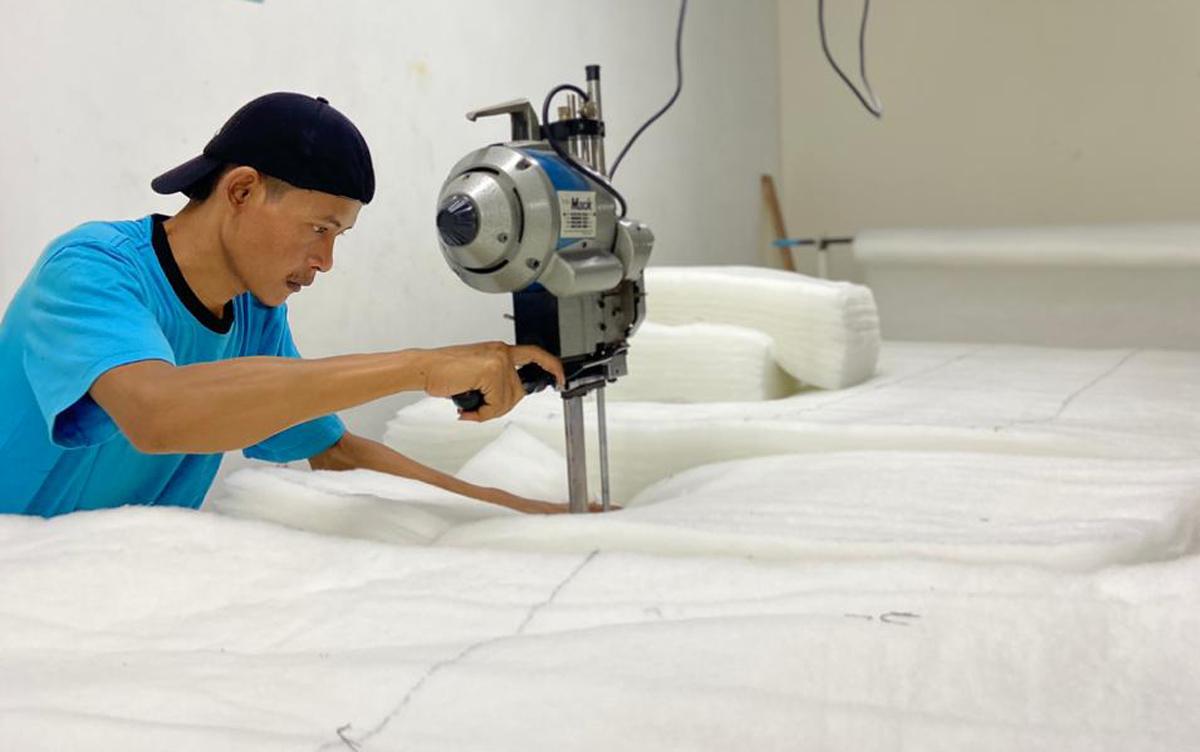alur produksi di 89 Blue Garment